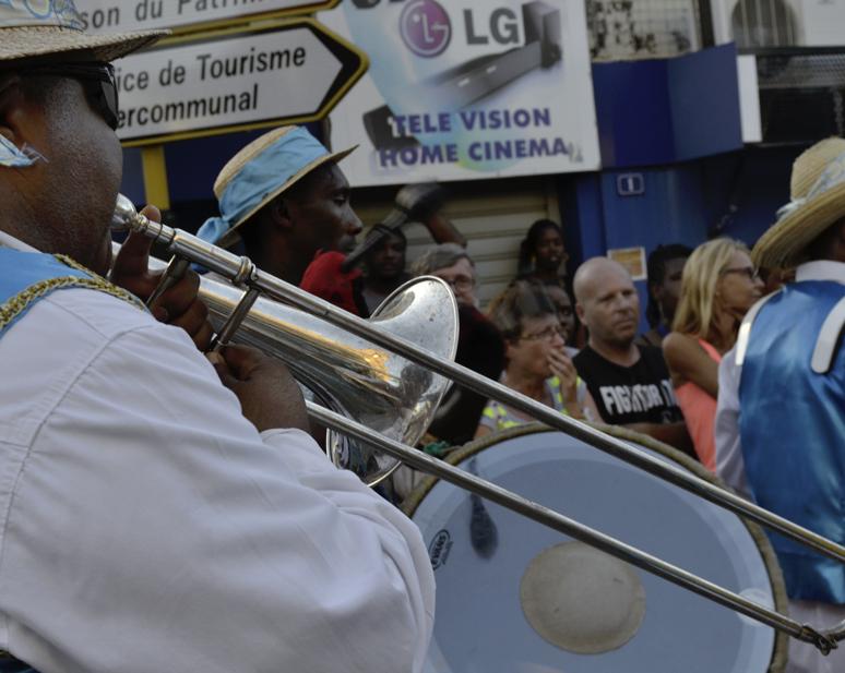 Retour sur la première sortie des groupes de carnaval